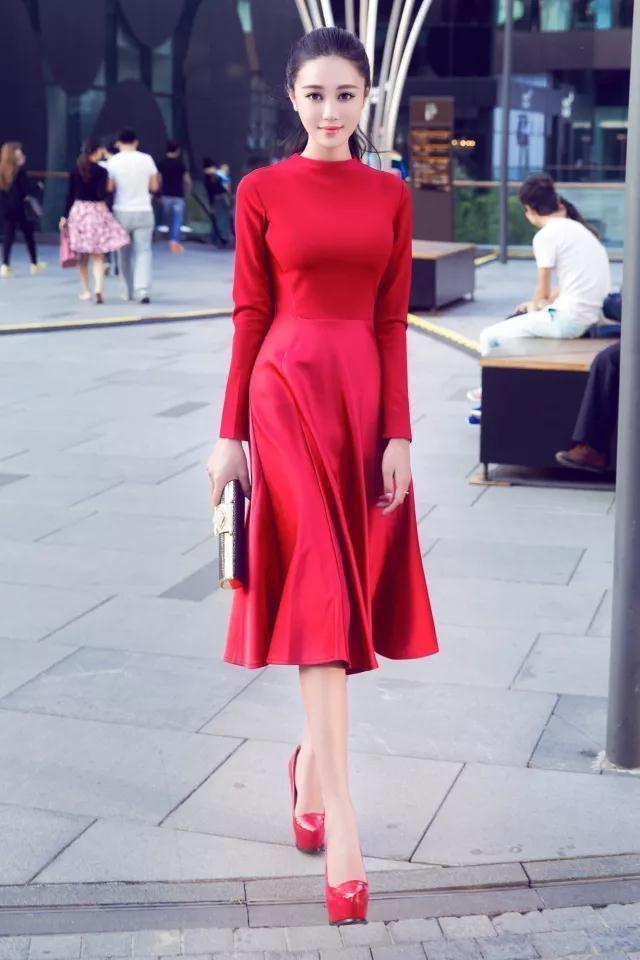一套符合你气质红色连衣裙, 让你靓丽每一刻! 3
