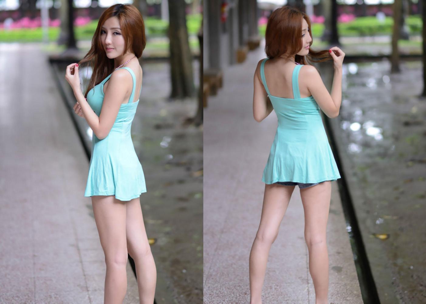 一身蓝色吊带裙 穿出清爽风的小美人味