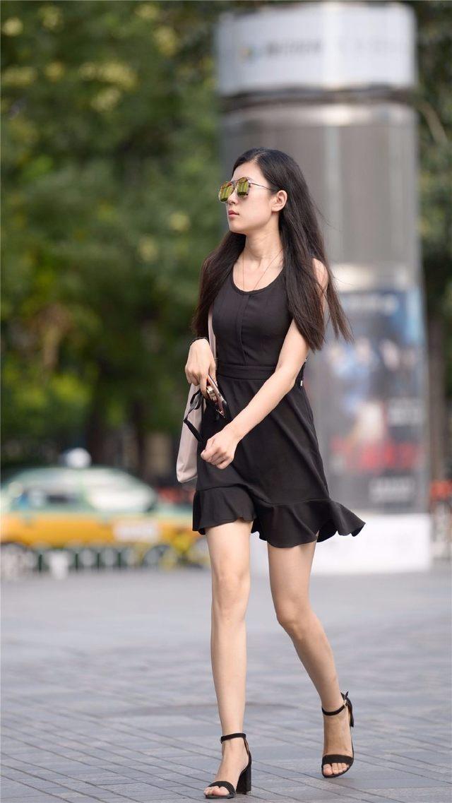 看看人家怎样将连衣短裙穿出时尚的, 第六张搭配的鞋子最好看