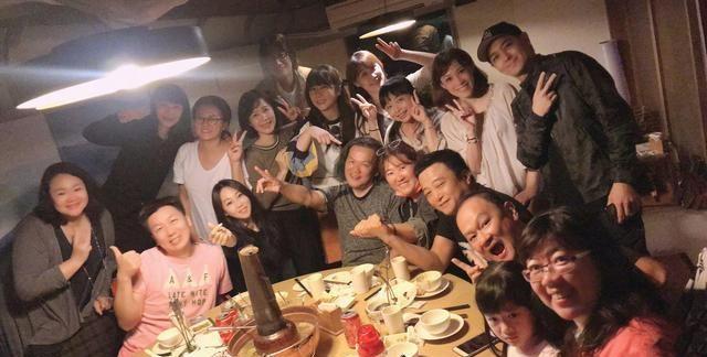 46歲林志穎高中聚會, 身邊同學成發福大叔, 不老男神凍齡搶鏡-圖6
