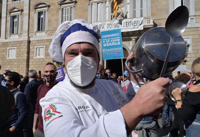 歐洲迎來第二波疫情! 西班牙再次下達禁令, 上千民眾走上街頭抗議-圖2