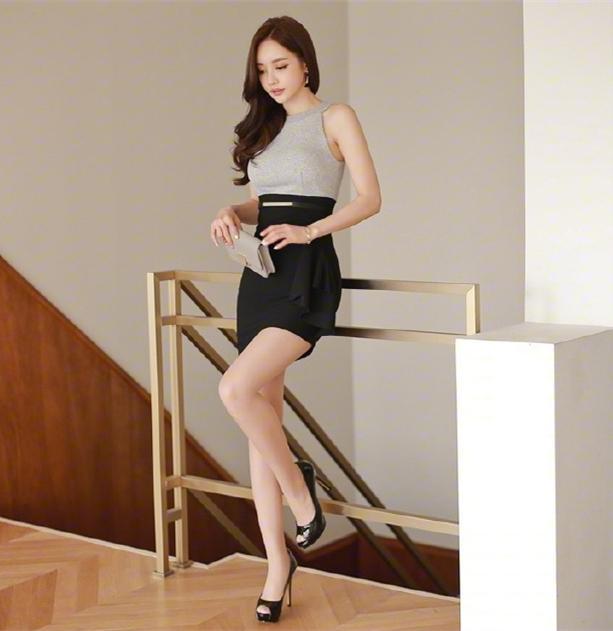 职业短裙被女神这么穿搭, 高端优雅而不是妖艳 3