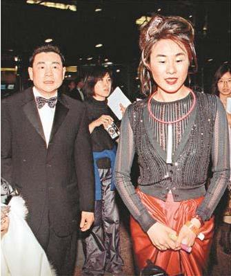 5次拒絕劉鑾雄的求婚, 卻甘願為60歲富翁生孩子, 她到底圖什麼?-圖6