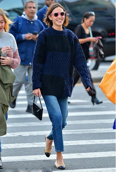 毛衣+长裤, 这是冬季的五个时髦搭配公式 3