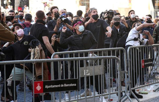 歐洲迎來第二波疫情! 西班牙再次下達禁令, 上千民眾走上街頭抗議-圖3