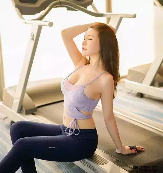 """健身房偶遇""""马甲线""""小姐姐, 身材好的一塌糊涂"""