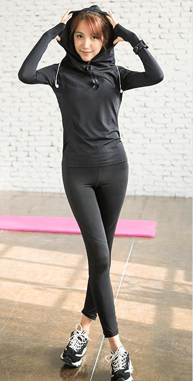 紧身裤迷人的造型, 增添了一种沉稳的气质