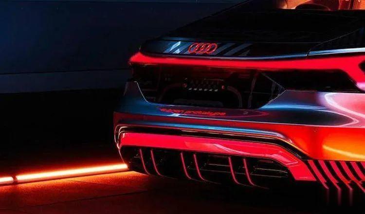 3秒內破百, 奧迪e-tron GT RS將與保時捷Taycan采用同平臺打造-圖16