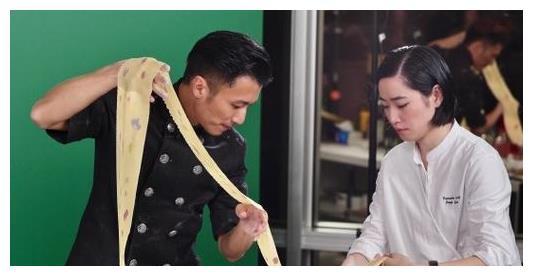 謝霆鋒時隔4年再拿米其林廚師大獎, 發文稱: 做菜太好玩瞭-圖3