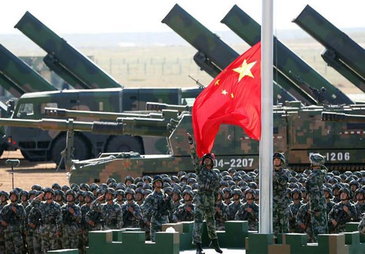 印媒称中国用阅兵威胁印度 外国网友赞叹中国军队威风
