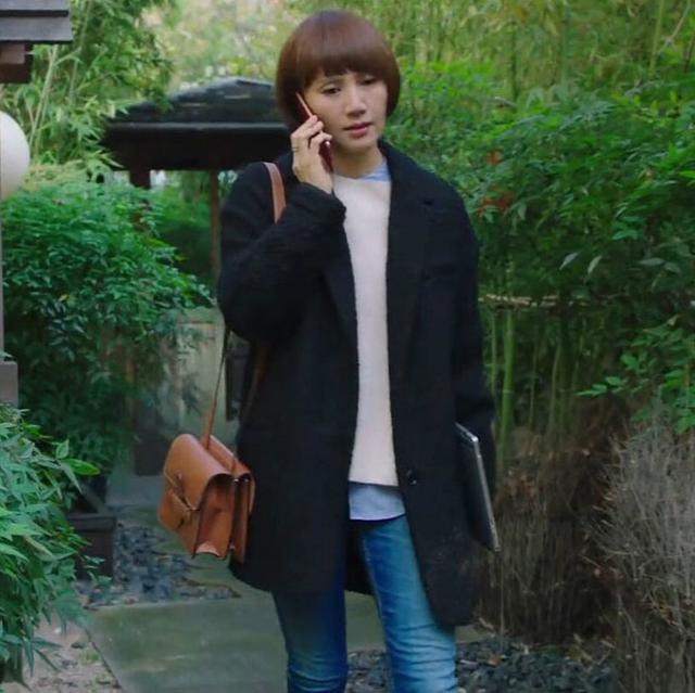 要穿大衣就要穿羊毛呢子大衣, 配上针织衫+打底裤, 冬天暖暖过