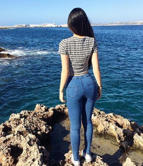 紧身裤可以说是一款美丽清纯的背景, 一个文静端庄的少女 3