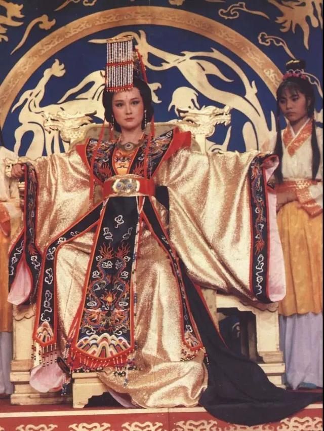曾經50歲飾演少女紅拂, 驚為天人, 如今單身40年仍然美出圈-圖10