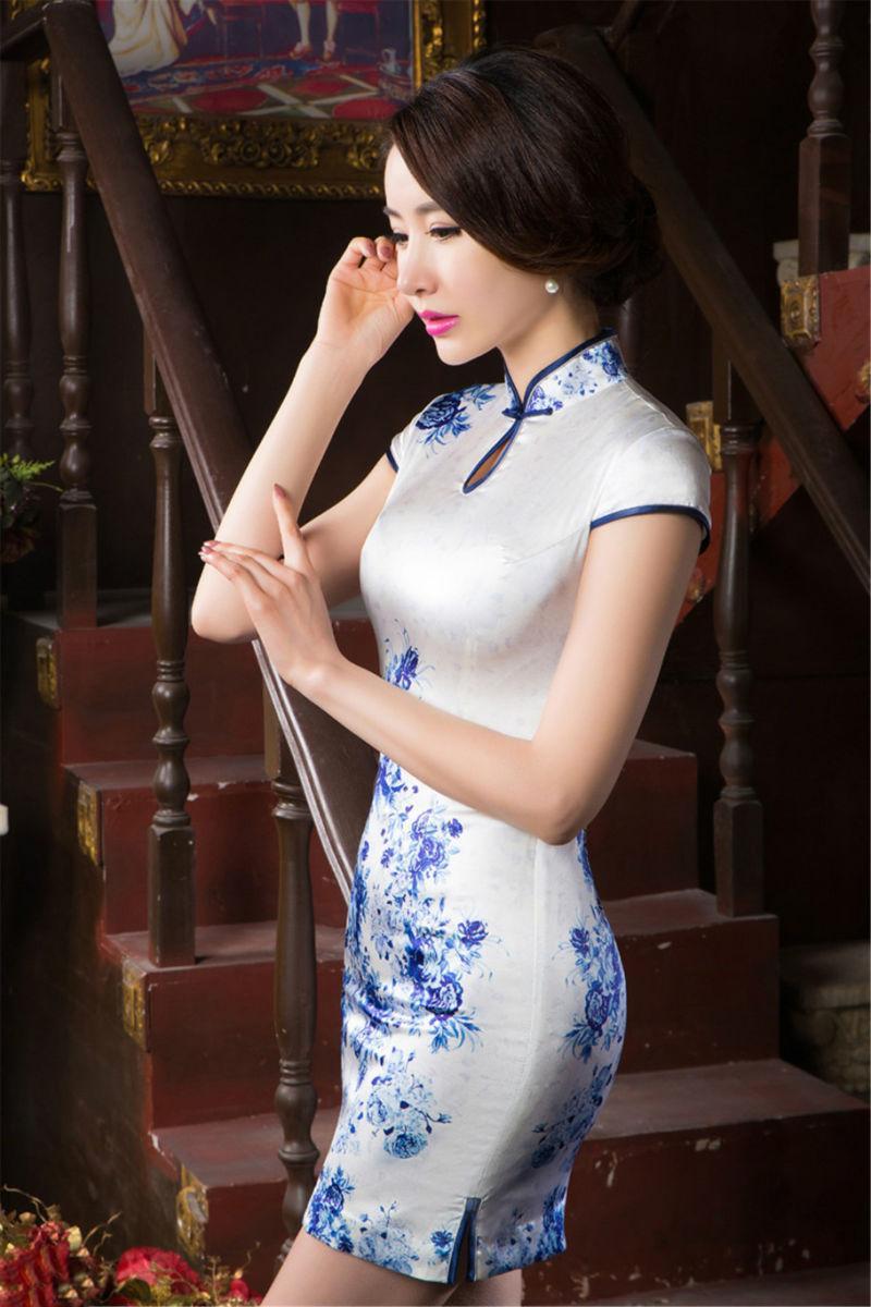 唯美青花旗袍 彰显女性完美气质 15