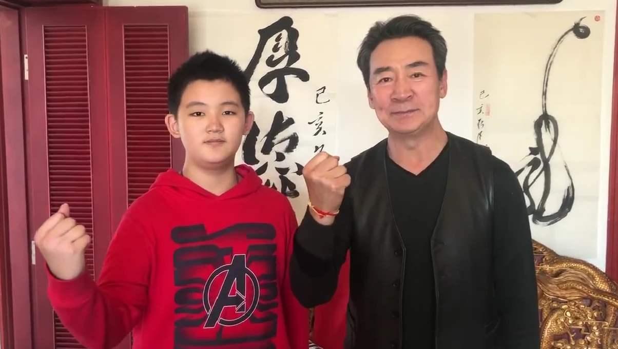 65歲寇振海太敬業, 陽光下暴曬拍戲, 今11歲兒子成老戲骨和世界季軍-圖10