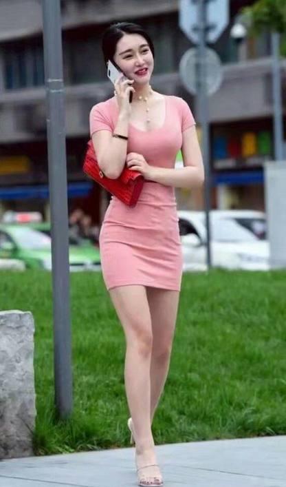 """城市街拍: 每一个 都是""""红颜祸水"""", 国庆节我们一起去看漂亮小姐姐"""