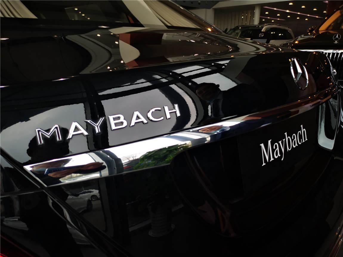 最新款 邁巴赫 S680 PULLMAN 黑外米內-圖18