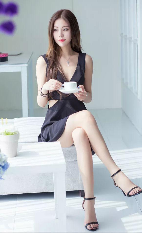 高跟鞋和包臀裙搭配, 这样的女人你会喜欢吗? 1