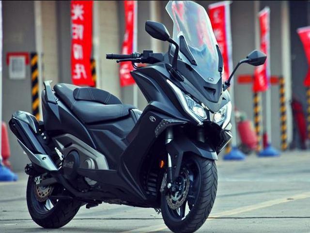 難被超越的摩托! 雙缸水冷550cc, 公認的耐開, 11萬貴嗎-圖3