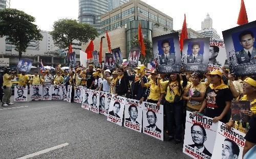 軍隊接管後效果立竿見影, 反對派領袖全被接走, 首都終於恢復平靜-圖3